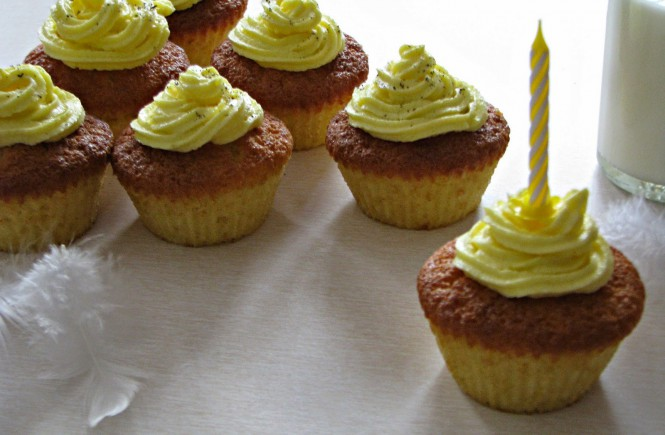 Cupcakes Mit Zitronen Buttercremetopping