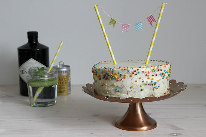 Kuchenparty Gin Tonic Torte Mit Schneller Deko Kleid Kuchen