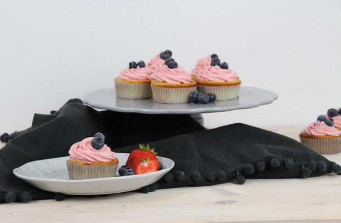 Buttermilchcupcakes mit Frischkäsefrosting