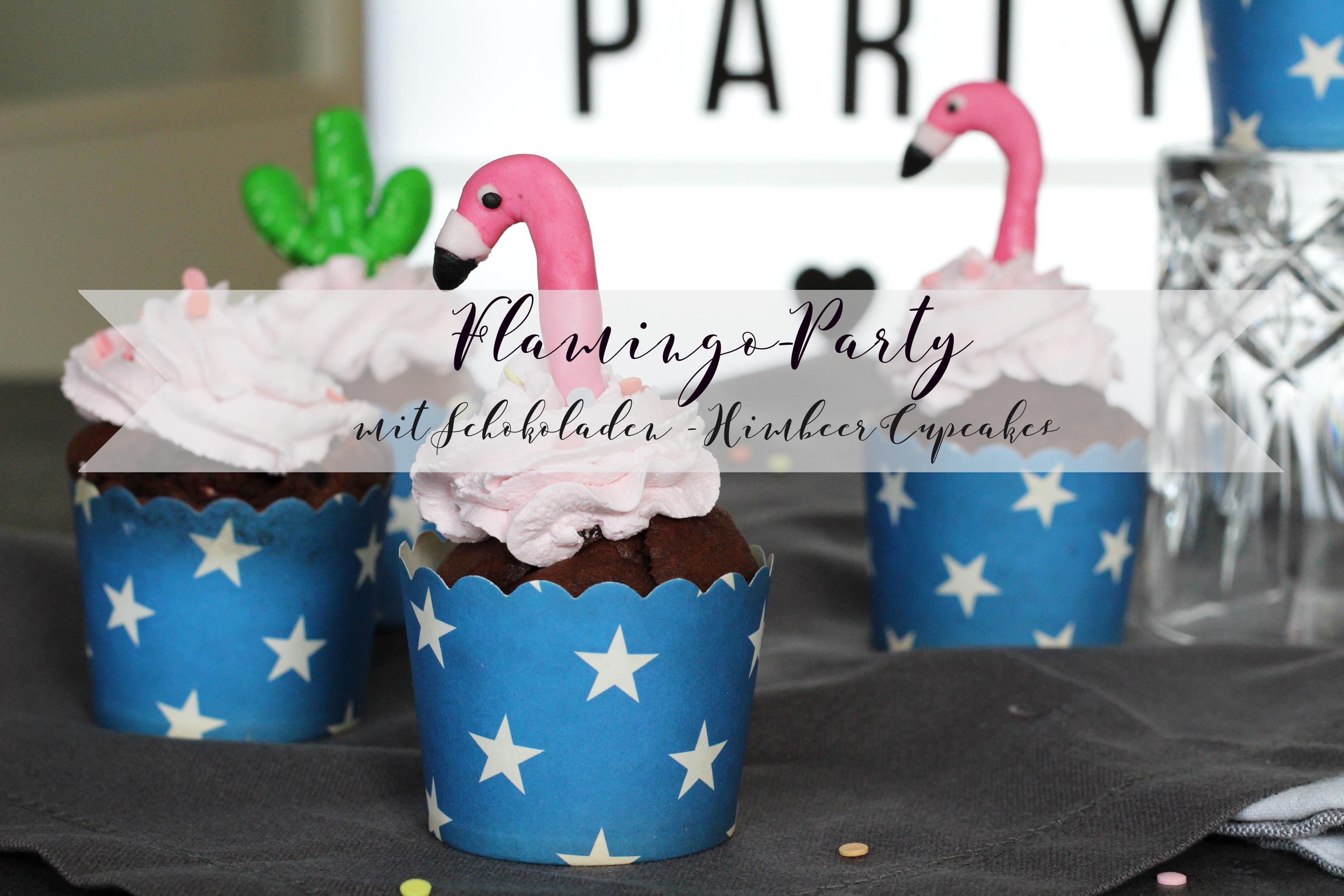 Muffins mit Fondantdeko in Form eines Flamingos