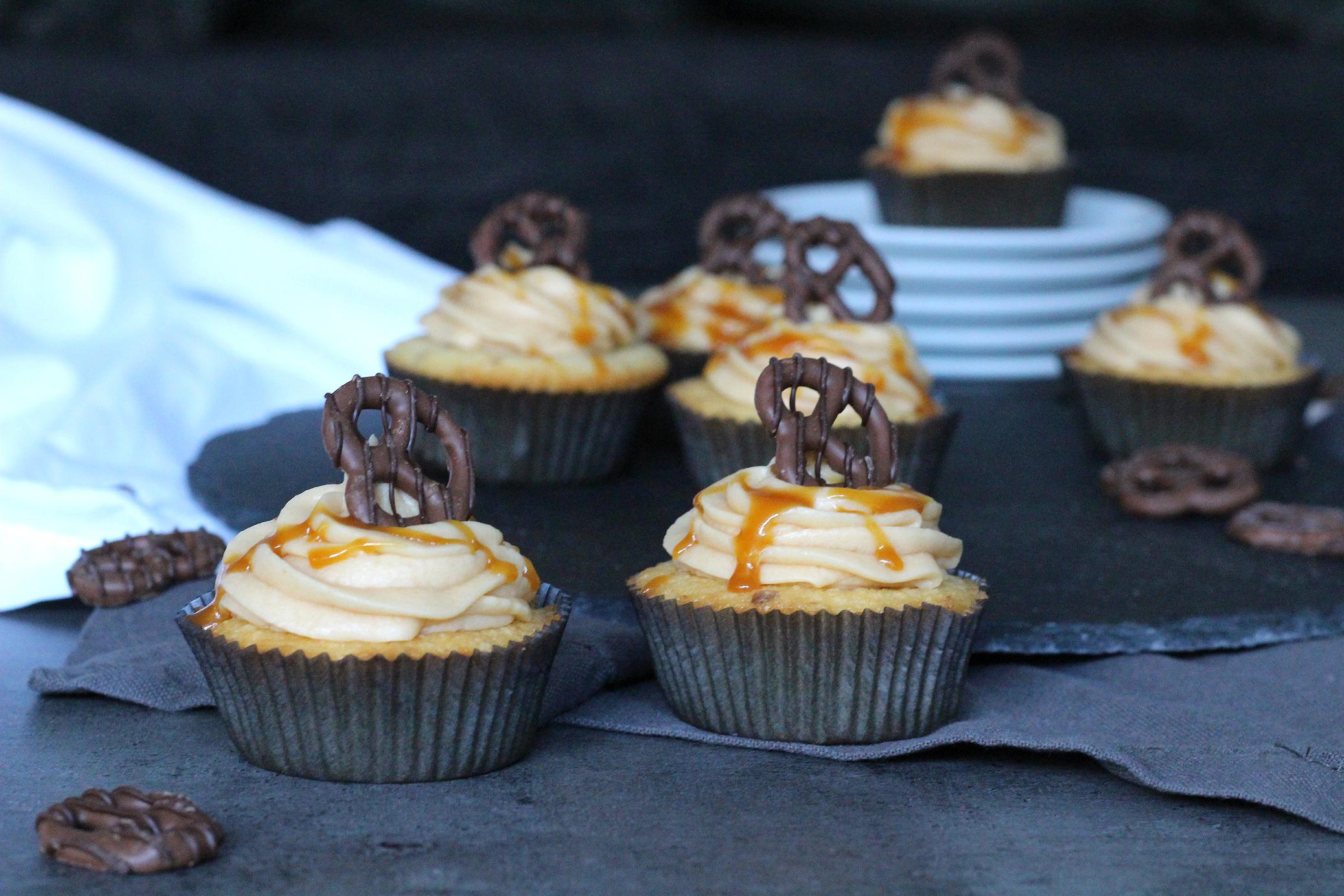 Mandelcupcakes mit Karamellfrosting