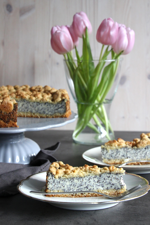 Mohnkuchen mit Pudding und Streuseln