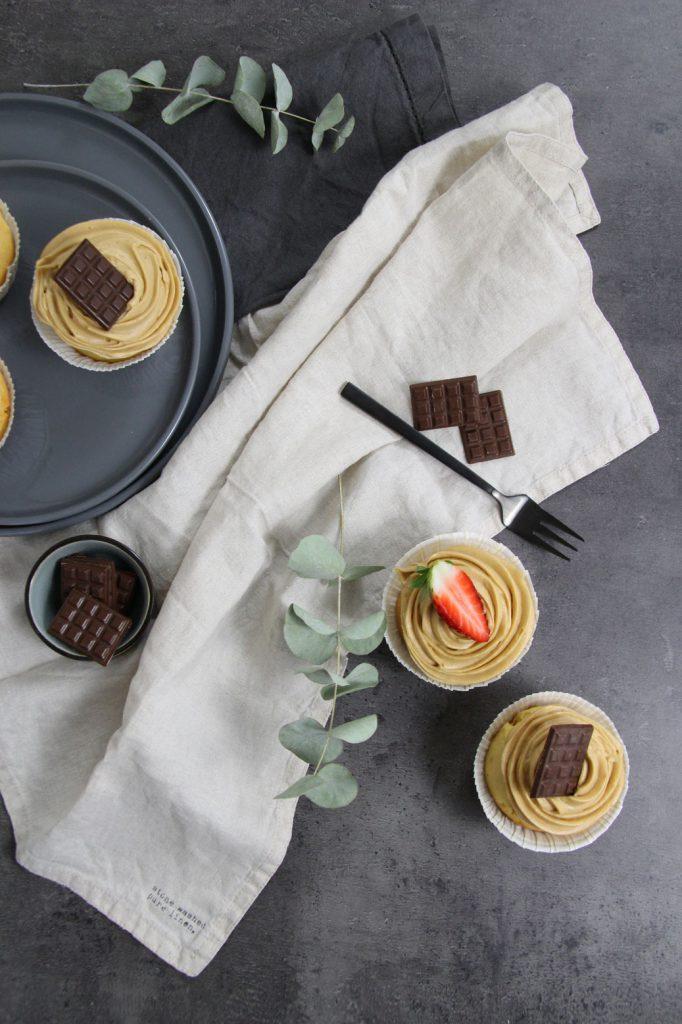 Vanillecupcakes mit Lotus Biscoff-Buttercremefrosting