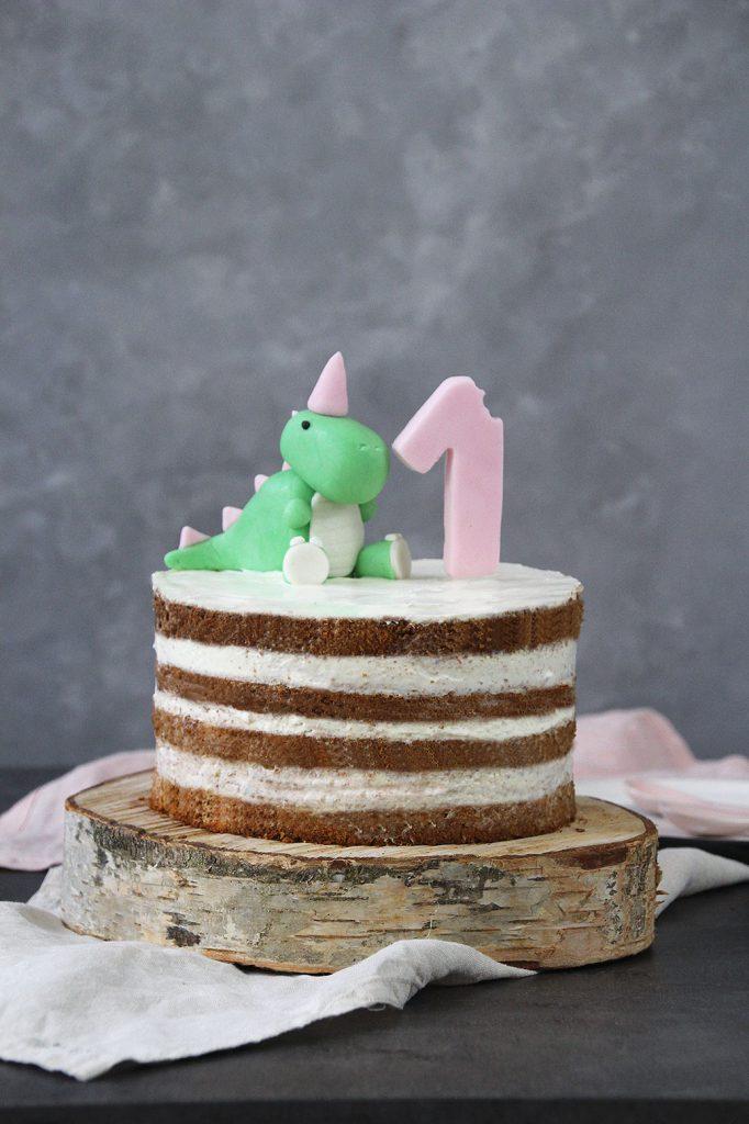 Zuckerfreie Dinotorte zum ersten Geburtstag