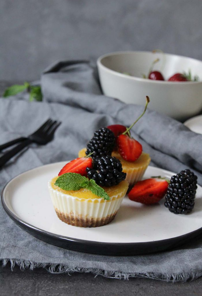 Protein-Eistörtchen mit Mango und griechischem Joghurt