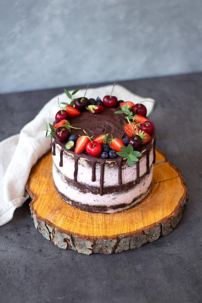 Semi Naked Caked: Rezept für Schoko-Erdbeertorte
